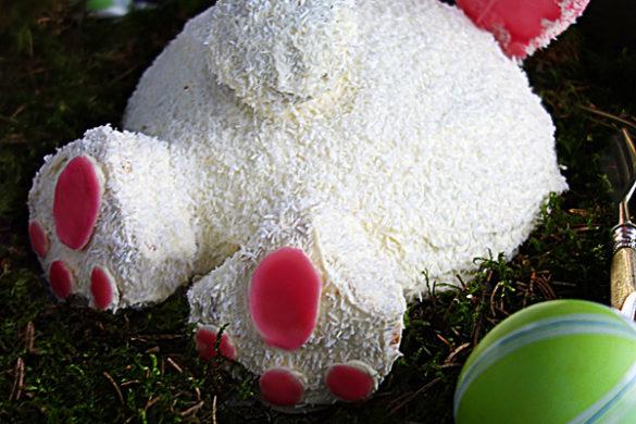 Möhrenkuchen als Osterhase