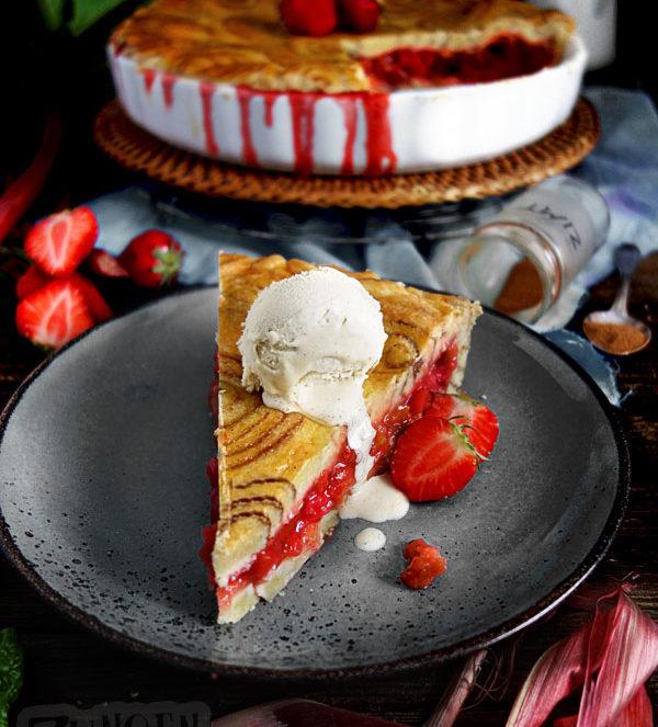 Zimtschnecken-Pie Rhabarberkuchen