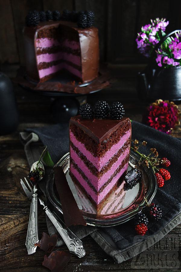 Torte mit Schoko und Brombeeren