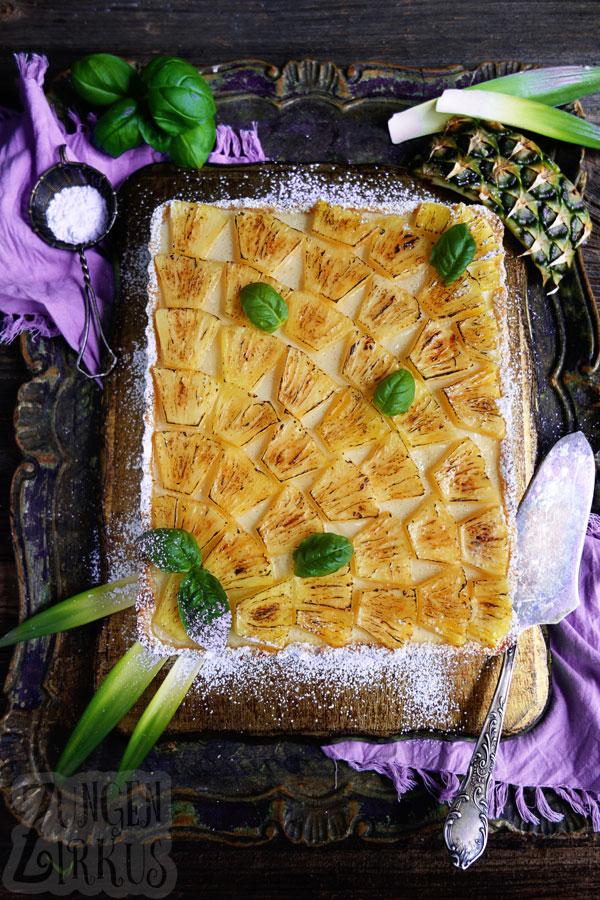 Tarte mit Ananas und Basilikum