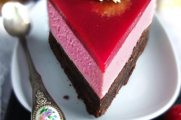 Brownie-Torte oder Schokokuchen mit Himbeeren