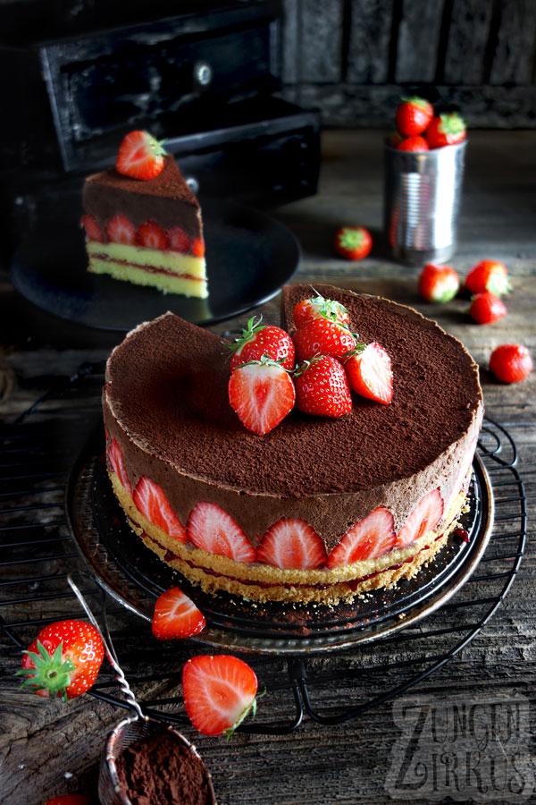 Kiba Torte Mit Kiba Mousse Und Weisser Schokolade Zungenzirkus