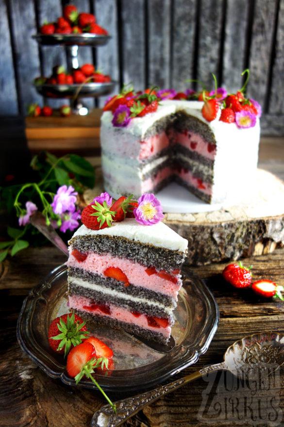 Erdbeer-Mohntorte mit Joghurt