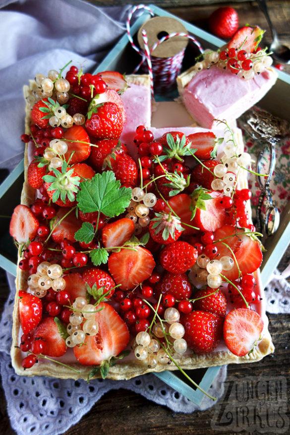 Erdbeertarte mit Blätterteig